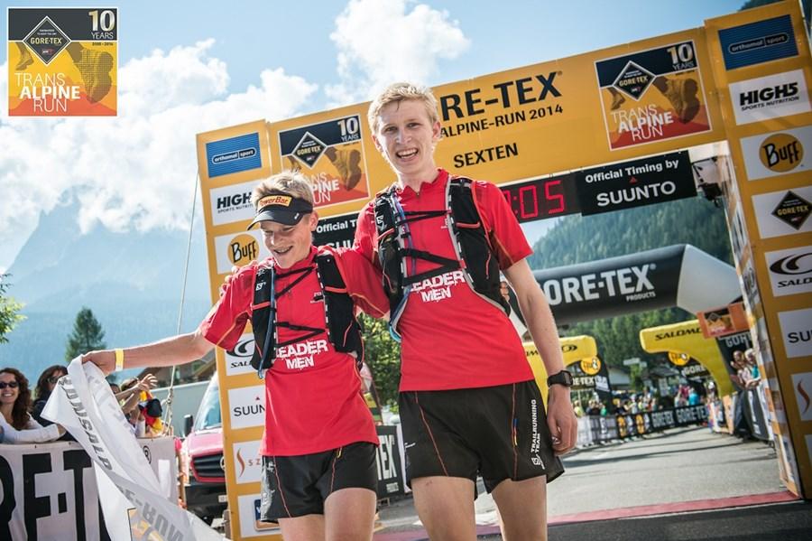 Mirco und Stephan im Ziel in Sexten (© SPORTOGRAF.COM)